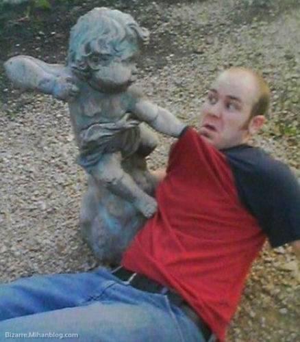 عکس های مضحک و خنده دار با مجسمه ها